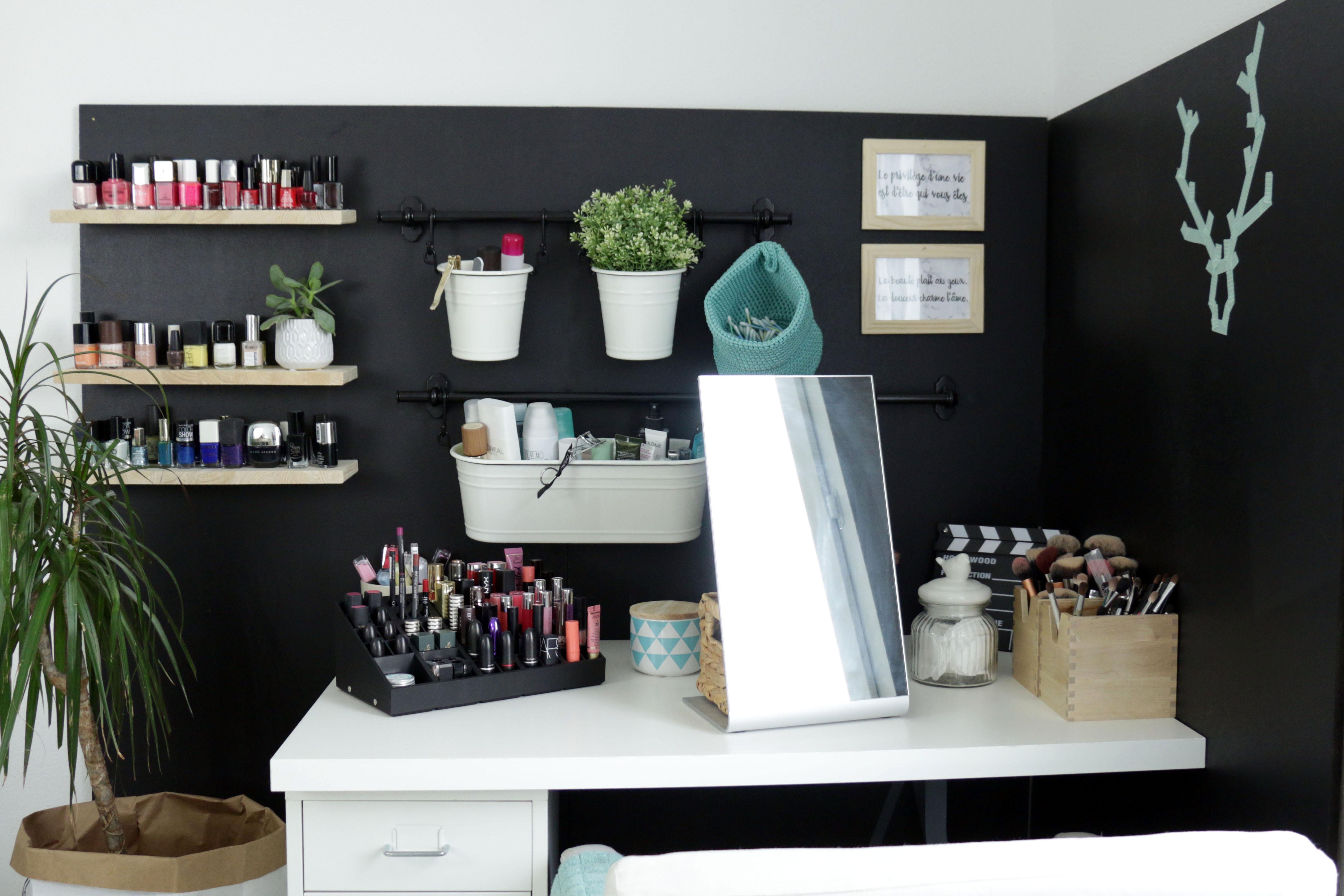 mon rangement maquillage twos. Black Bedroom Furniture Sets. Home Design Ideas